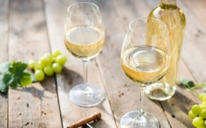How to Choose the Right White Wine for You